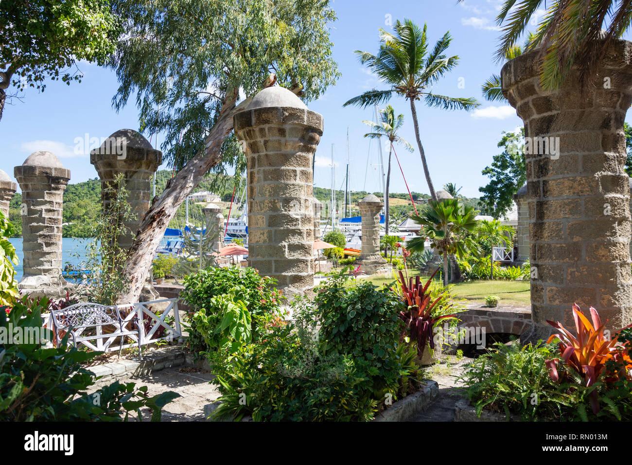 Säulen der ehemaligen Boat House, Nelson's Dockyard Nationalpark, Saint Paul Pfarrei, Antigua, Antigua und Barbuda, Kleine Antillen, Karibik Stockbild