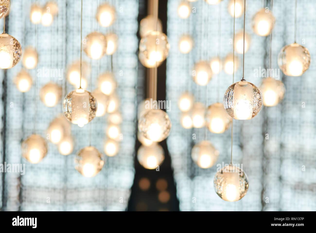 Silver Crystal Kleine Kugeln Hängen Von Der Decke Als Dekoration