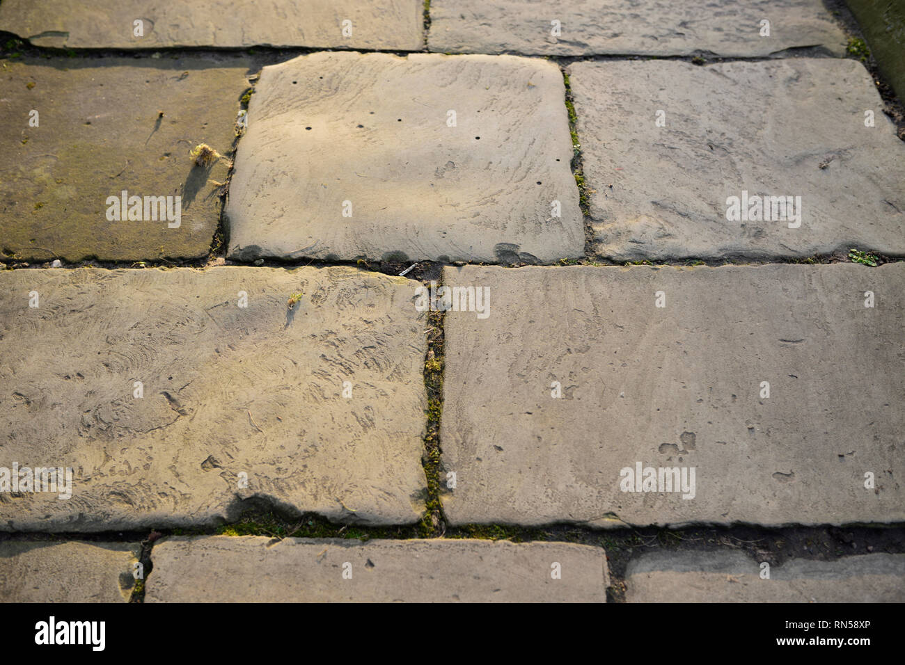Fußbodenplatten Xp ~ Flagstone walkway stockfotos & flagstone walkway bilder alamy