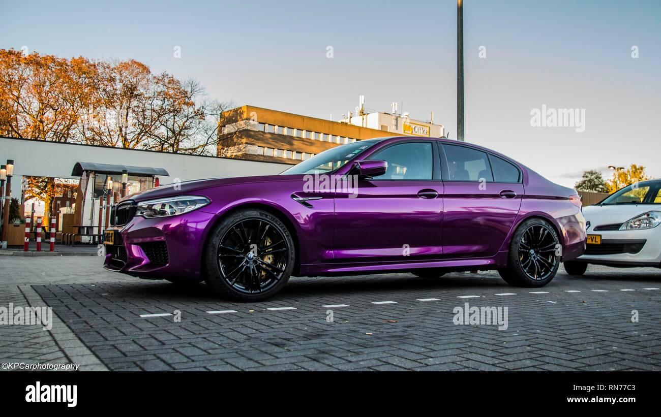 Bmw M5 Verpackt Purple Stockfotografie Alamy