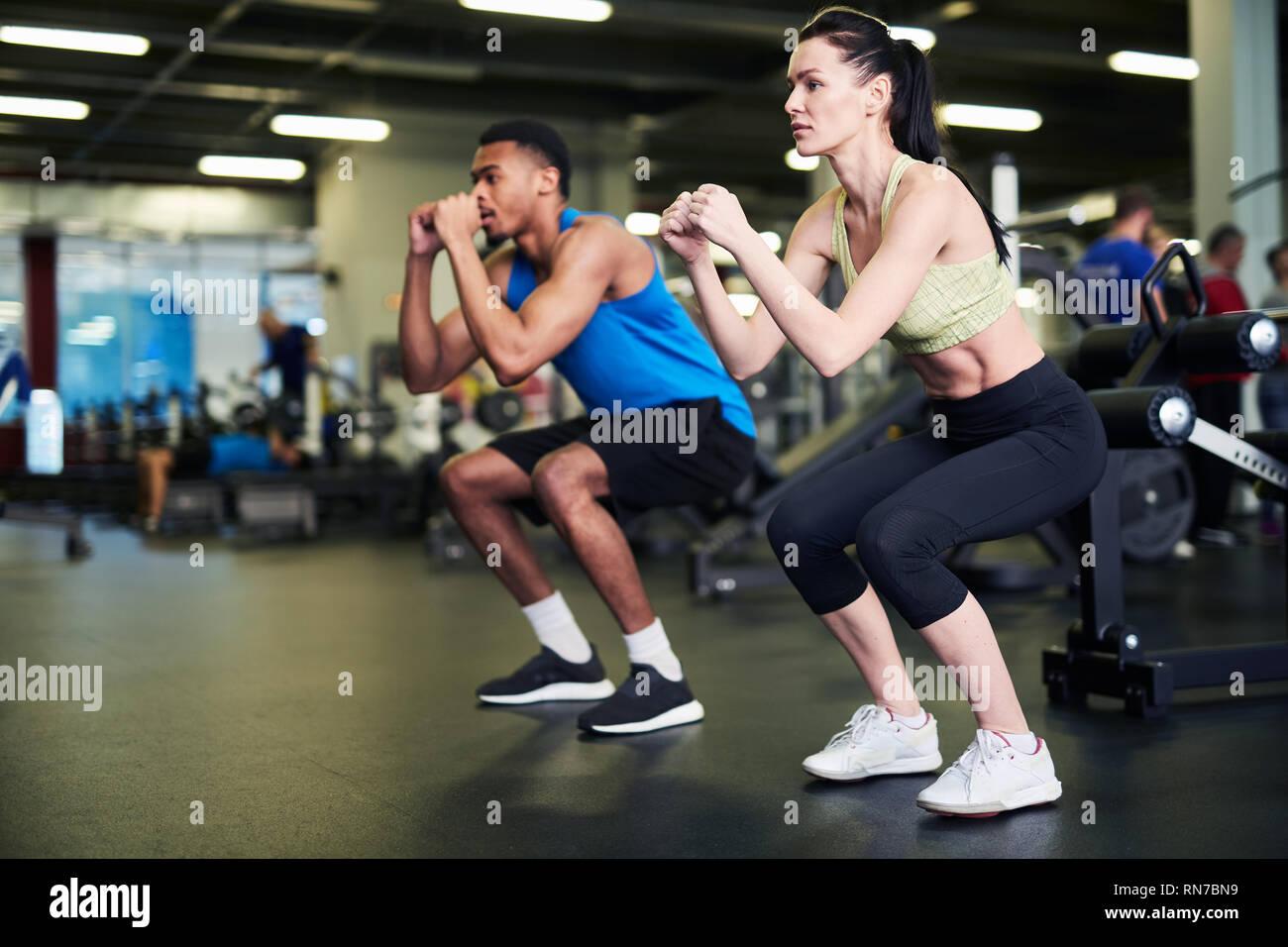 Das trainieren im Sportzentrum Stockbild