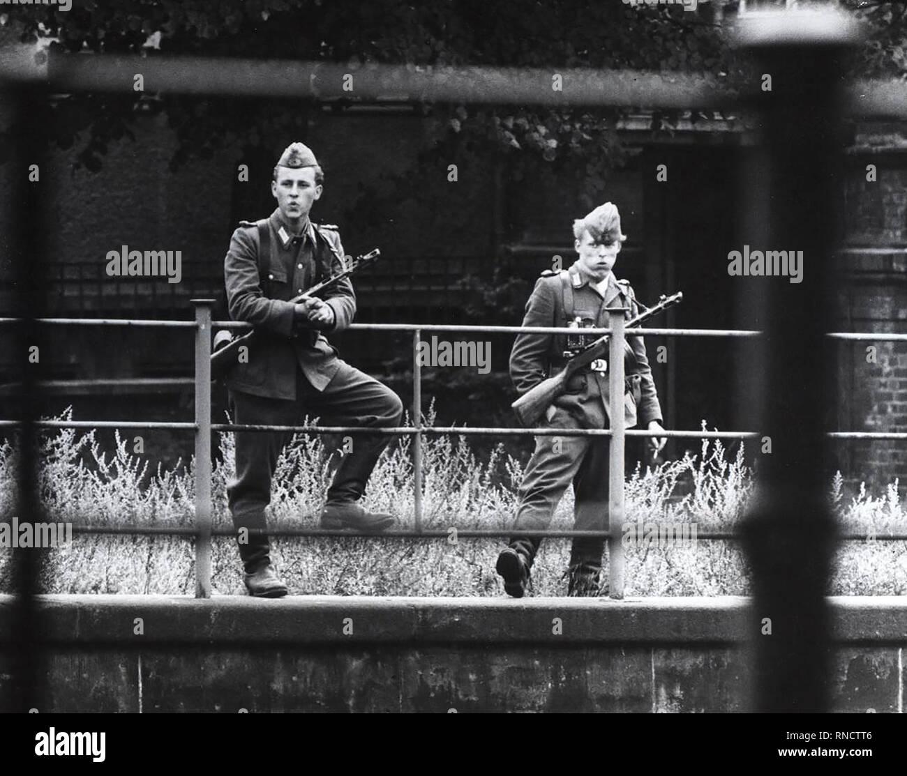 8/13/1961 - das ist es, was es sah aus wie in Berlin heute Morgen, nachdem die Sowjets verkündete ein Dekret in Ihrer Zone Stockfoto