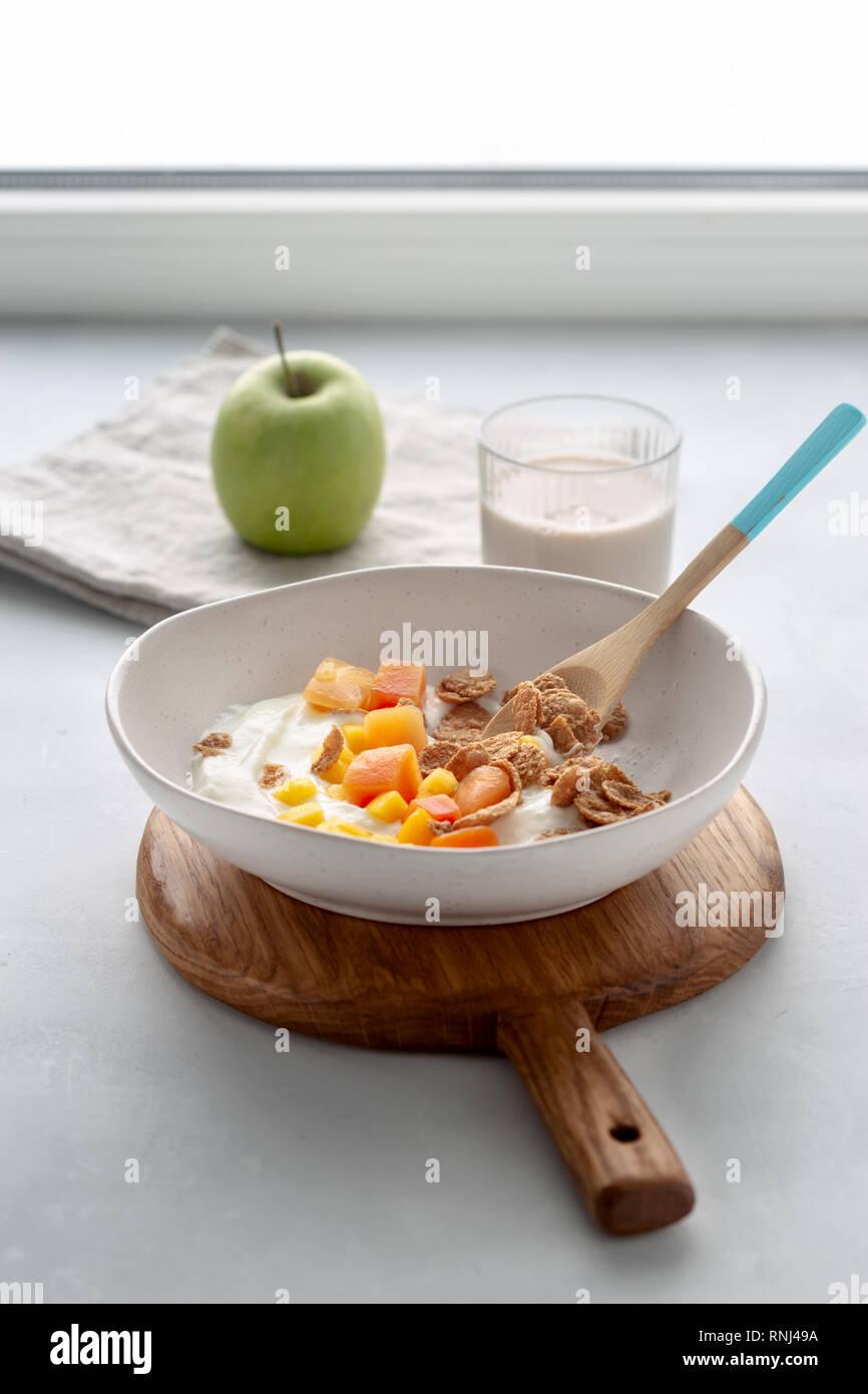 Gesundes Frühstück Multigrain Flakes Mit Griechischem Joghurt