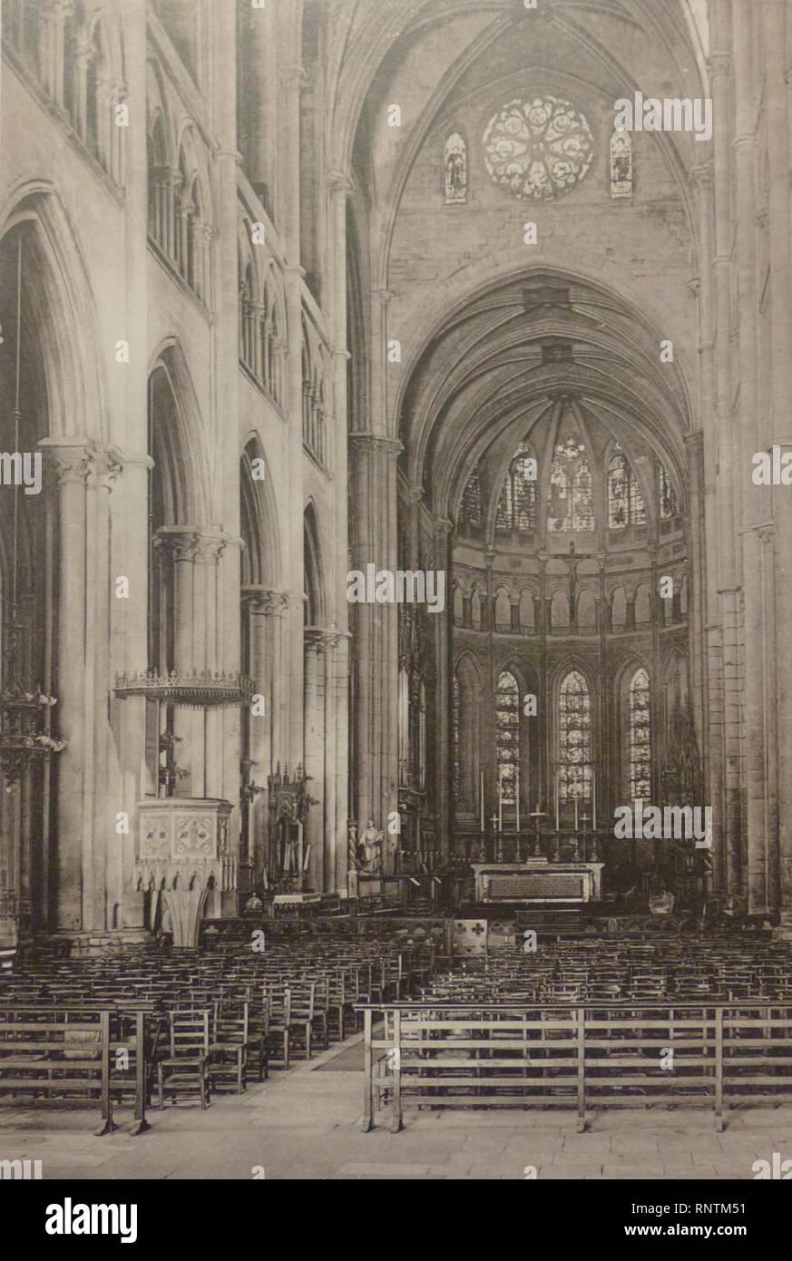 Cathédrale intérieur fin XIXe. Stockbild
