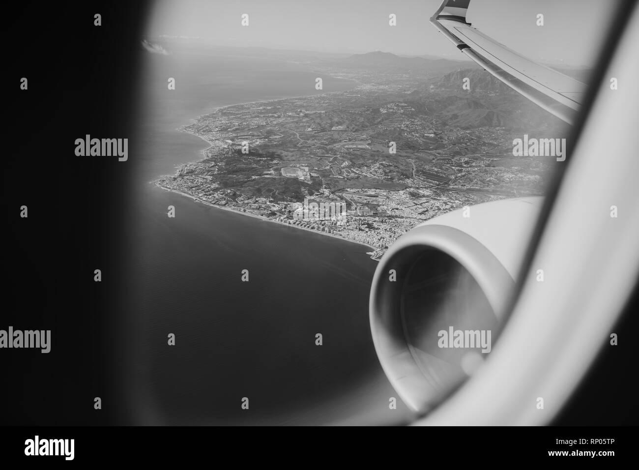 Schwarz Weißes Flugzeug Stockfotos Schwarz Weißes Flugzeug Bilder