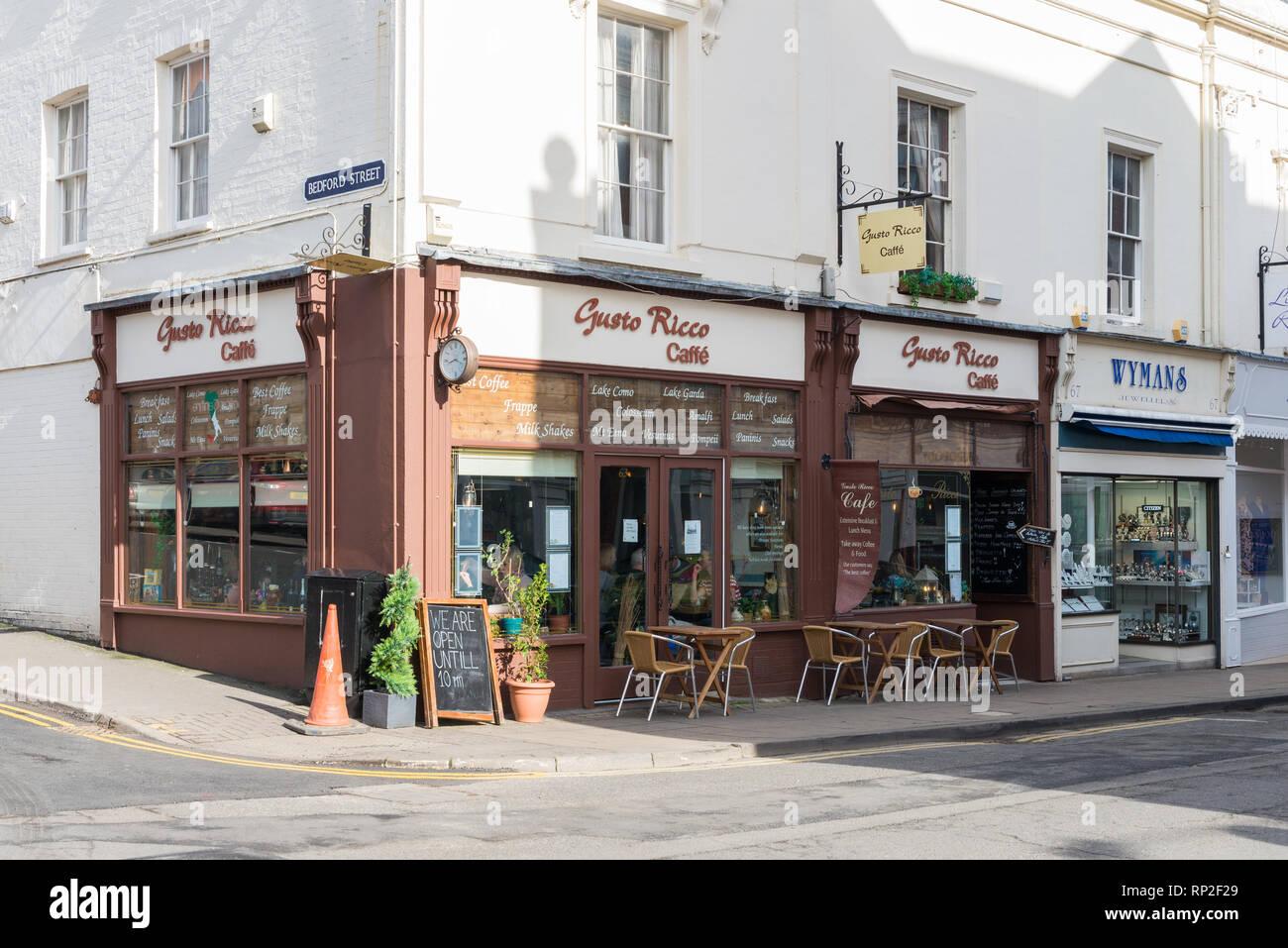 Gusto Rico italienisches Cafe in der Regent Street, Leamington Spa, Warwickshire Stockbild