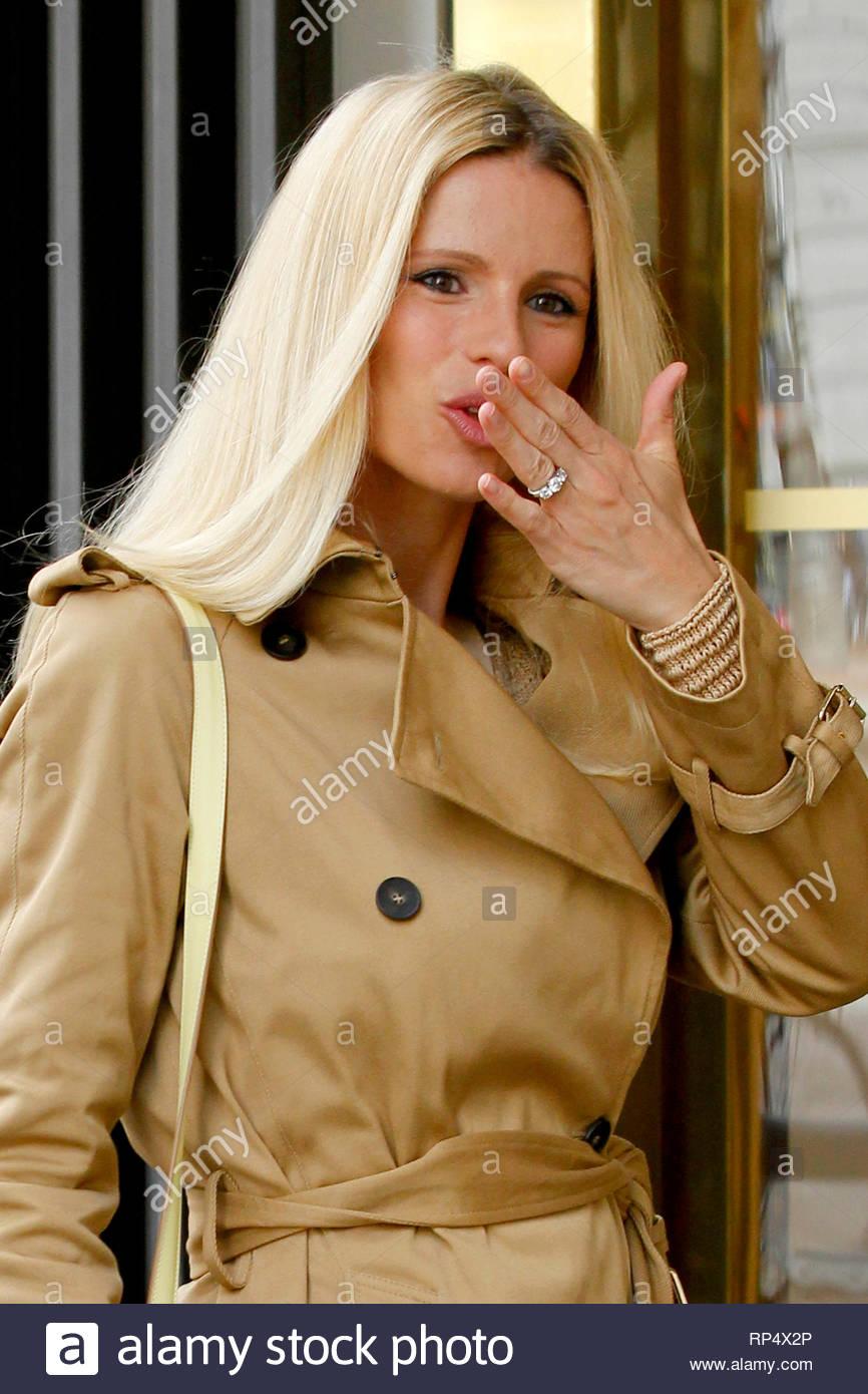 Michelle hunziker smoking theme