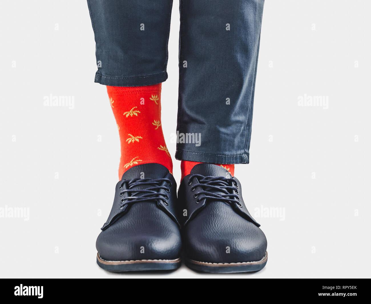 Office Manager in schicke Schuhe, blaue Hosen und helle