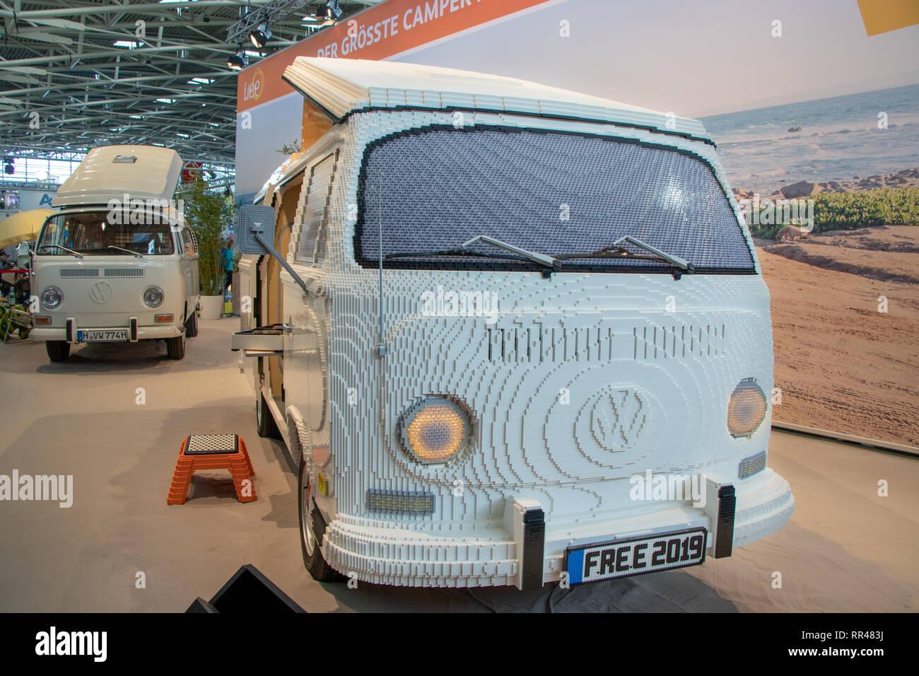 Weltrekord in voller Größe VW Wohnmobil aus Lego, an der Freien