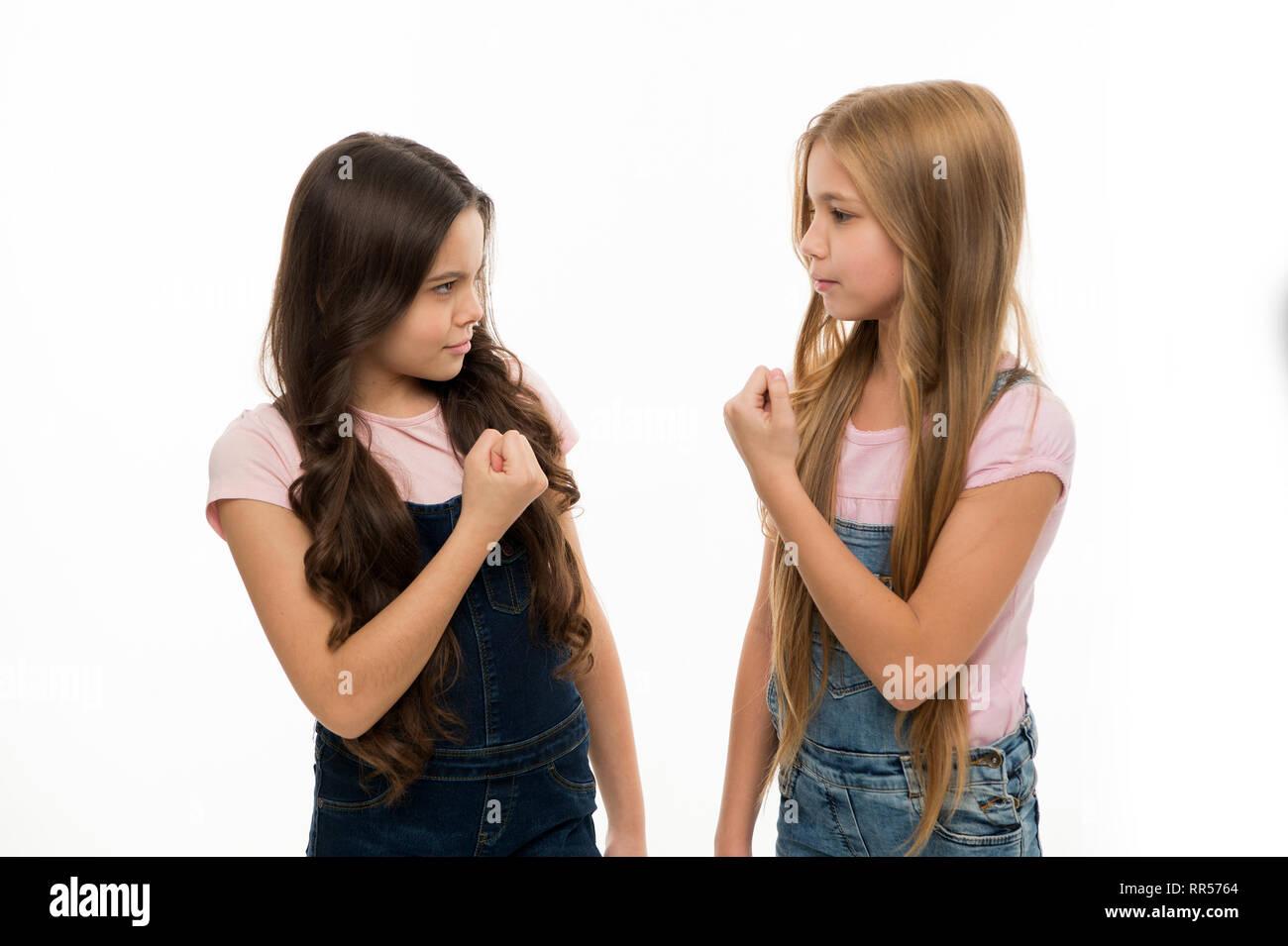 Wer Ist Das Schönste Kleine Mädchen Mit Langen Frisur