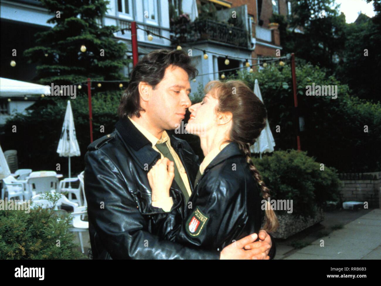 Ehe nicht datiert Kiss-Szenen