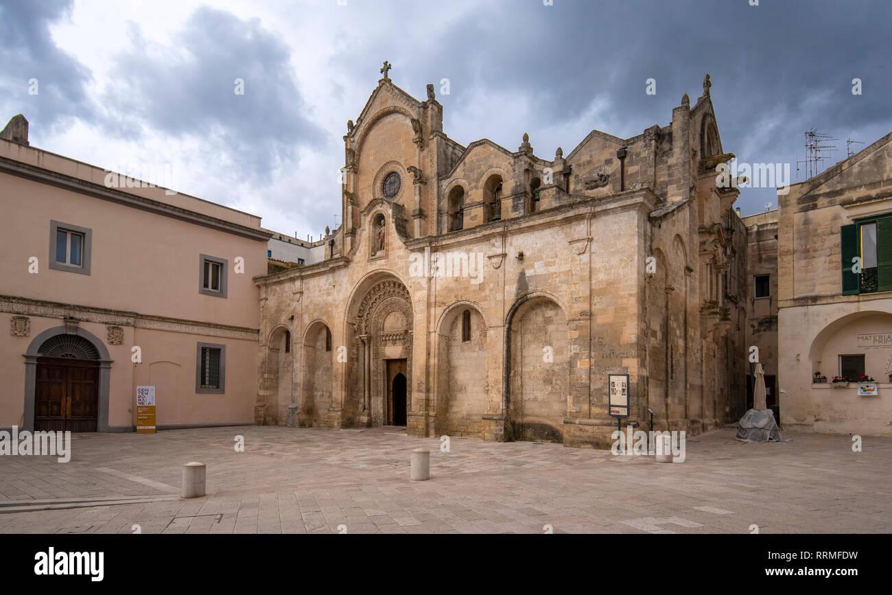 Die romanische Parrocchia di San Giovanni Battista Pfarrkirche (Chiesa). Der heilige Johannes der Täufer. Matera, Basilikata, Apulien, Italien Stockfoto
