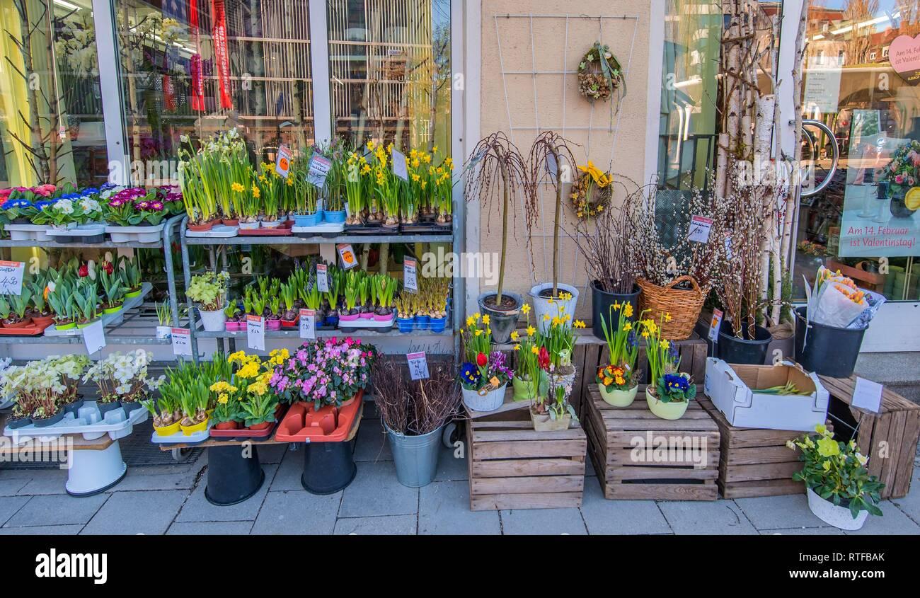 Verkauf Von Blumen Stockfotos & Verkauf Von Blumen Bilder - Alamy