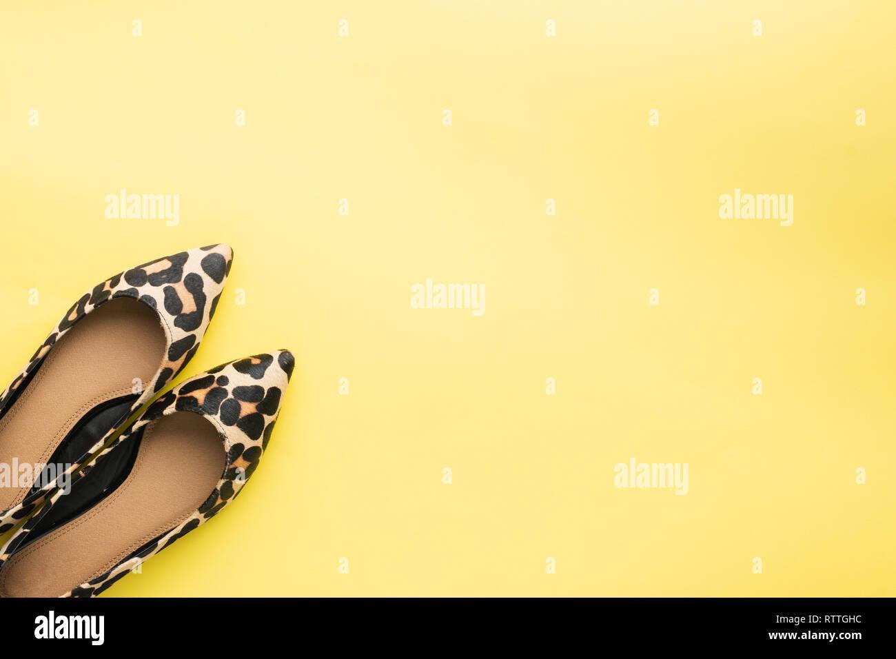 Leopard Print Shoes Stockfotos & Leopard Print Shoes Bilder