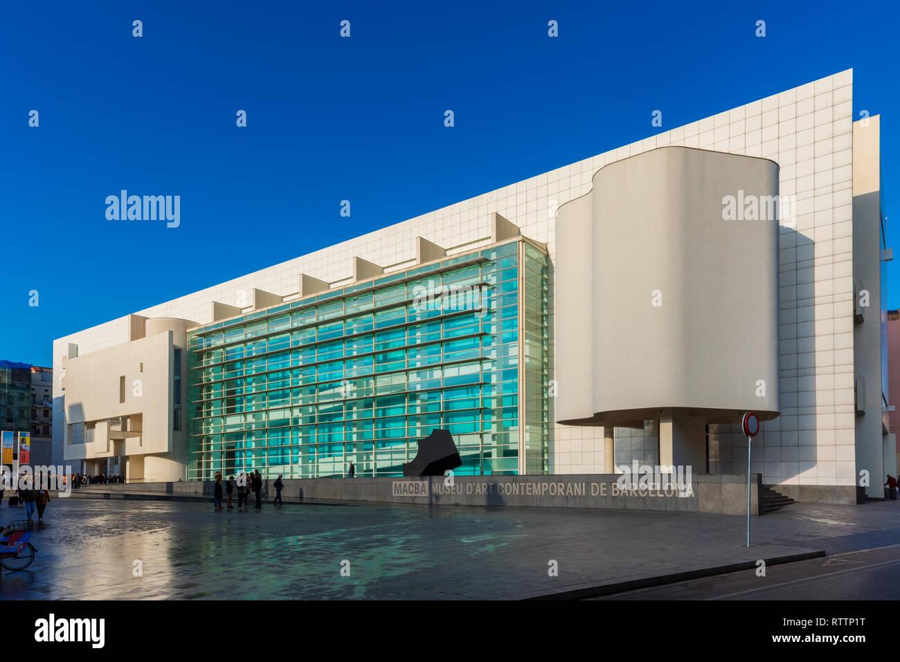 Museum für zeitgenössische Kunst (MACBA) in Barcelona, Spanien. Das Museum wurde 1995 eröffnet und konzentriert sich hauptsächlich auf nach 1945 die Katalanische und Spanische Kunst. Stockbild