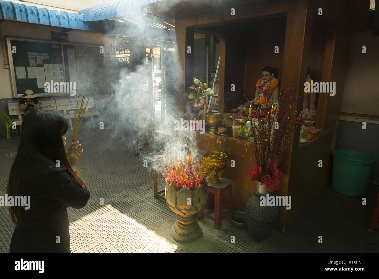 Buddhistische Ritual in Phnom Penh, Kambodscha Stockfoto