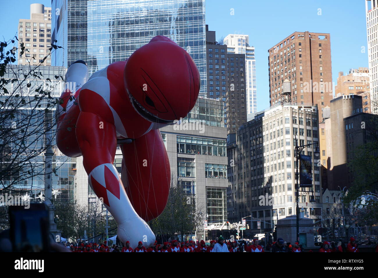 New York, USA - November 2018: jährliche Macys Thanksgiving Day Parade in New York City on November Power Ranger baloon Stockbild