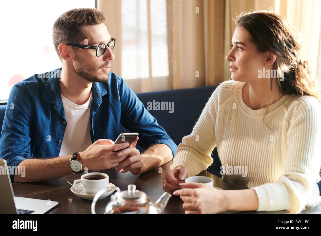 Wie Sie nach dem Tod Ihres Ehepartners wieder mit dem Dating beginnen können