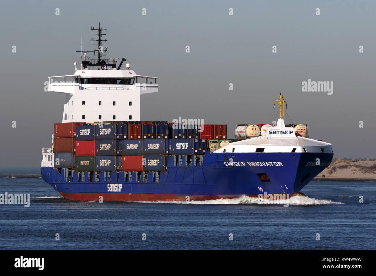 Das containerschiff Samskip Innovator erreicht den Hafen von Rotterdam am 15. Februar 2019. Stockbild