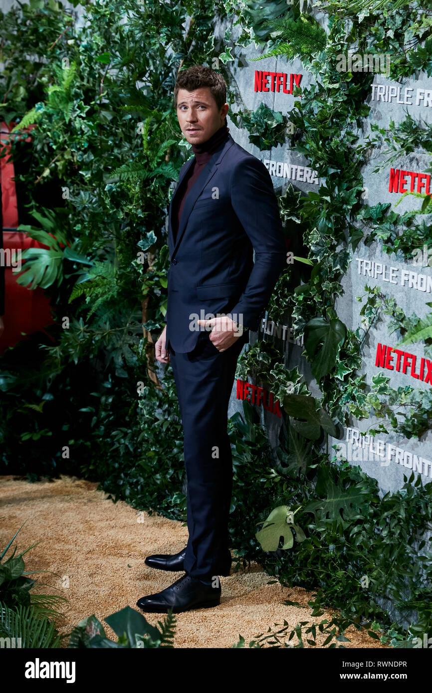 Garrett Hedlund besucht die Triple Frontera Premiere Callao City Lights in Madrid. Stockbild
