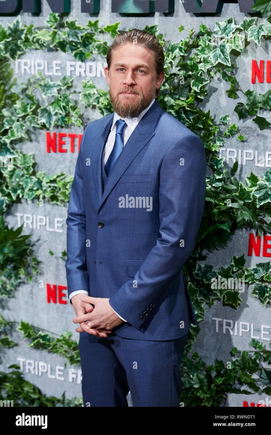 Charlie Hunnam besucht die Triple Frontera Premiere Callao City Lights in Madrid. Stockbild