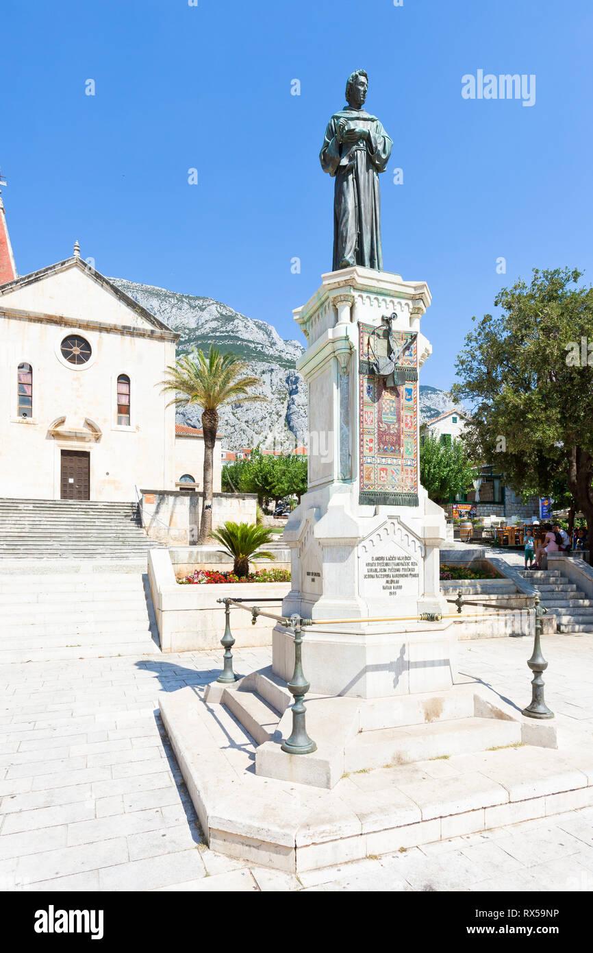Makarska, Dalmatien, Kroatien, Europa - August 23, 2017 - Statue von Haran Narod in Makarska Stockfoto