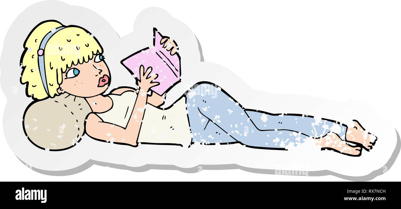 Retro distressed Aufkleber einer Cartoon Pretty Woman lesen Buch Stockbild