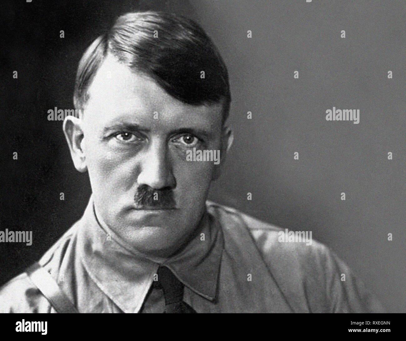 Porträt von Adolf HITLER deutscher Krieg führend. Neuer Scan aus dem Archiv  des Pressedienstes Portrait - Portrait ehemals Pressebüro Stockfotografie -  Alamy