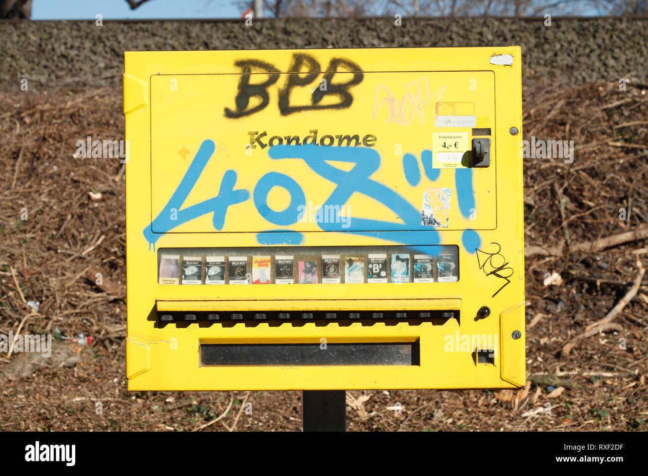 Der nähe in kondomautomat Raststätten Autobahnen