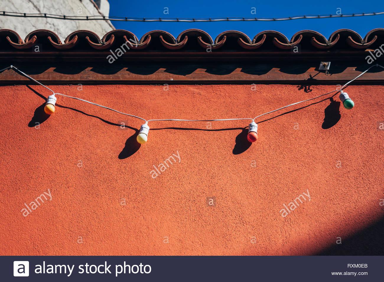 Outdoor Garten Beleuchtung Lampe Auf Rote Wand Stockfoto Bild