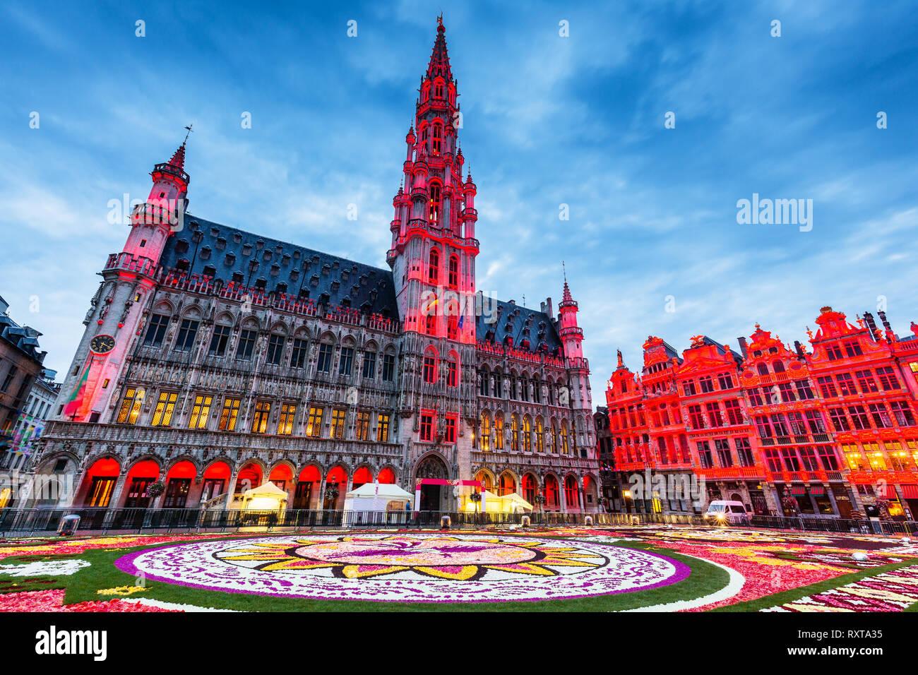 Brüssel, Belgien. Grand Place während Blütenteppich Festival 2018. Das Thema dieses Jahres war Mexiko. Stockbild