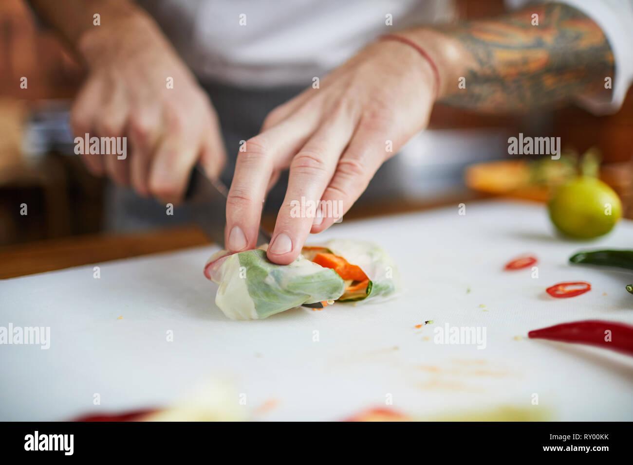 Chef Cooking Vegetarische Kost Stockbild