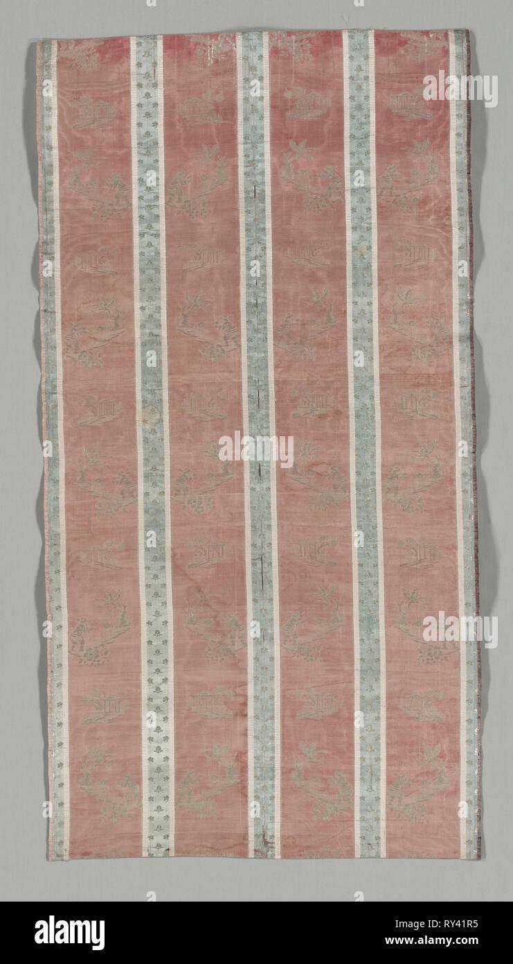 Länge der Textil mit klassischen Ruine in einer Landschaft, die Design, Anfang 1800. Frankreich, Anfang des 19. Jahrhunderts. Seide lampas gemusterten Weben; gesamt: 103,8 x 53,5 cm (40 7/8 x 21 1/16 Stockbild