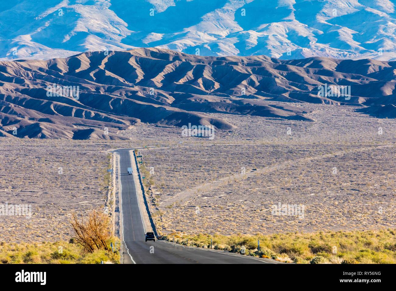 Eine Ansicht im Devils Cornfield entlang der Autobahn 190, Death Valley National Park Stockbild