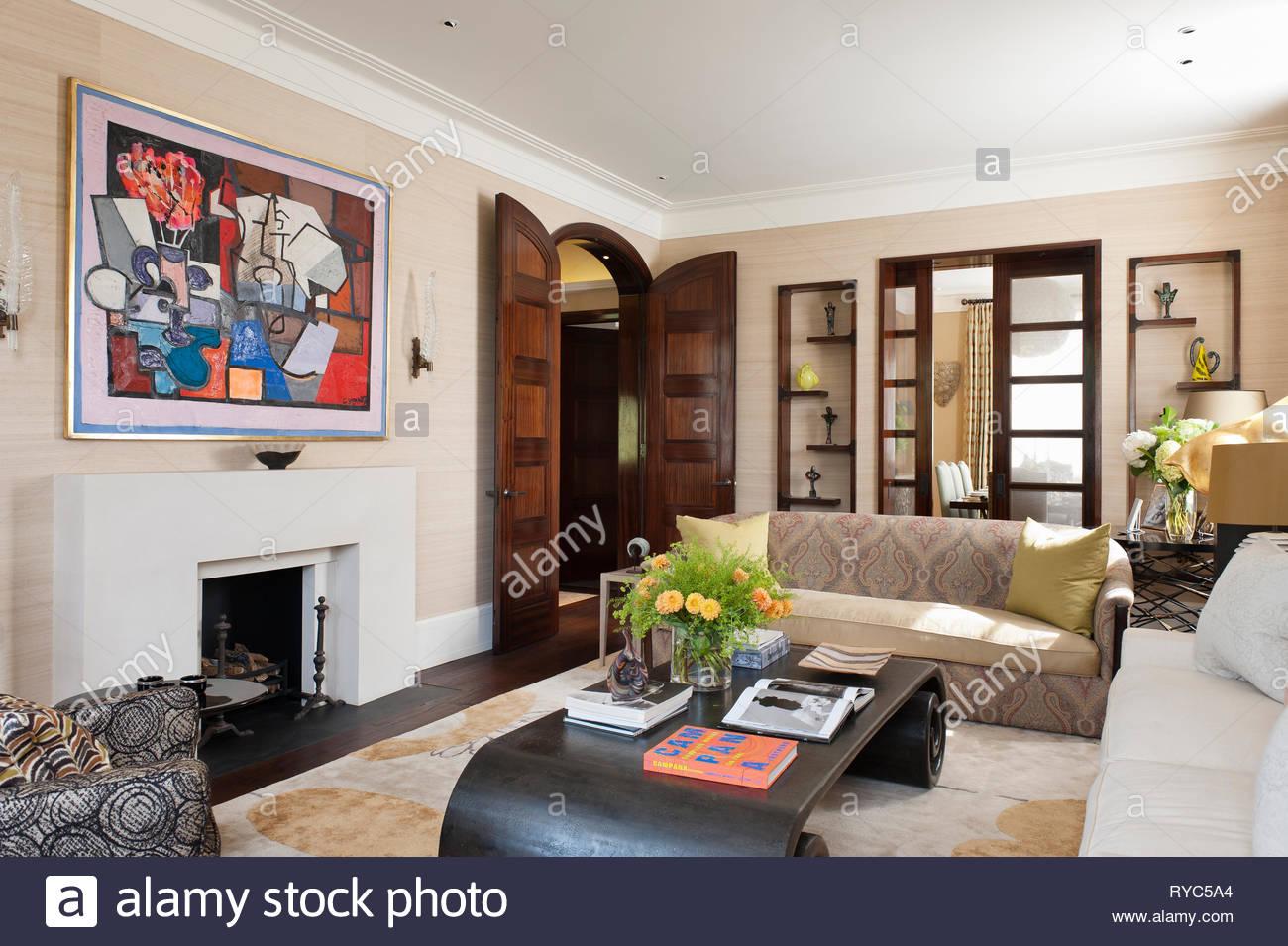 Moderne Malerei im Landhausstil Wohnzimmer Stockfoto, Bild ...