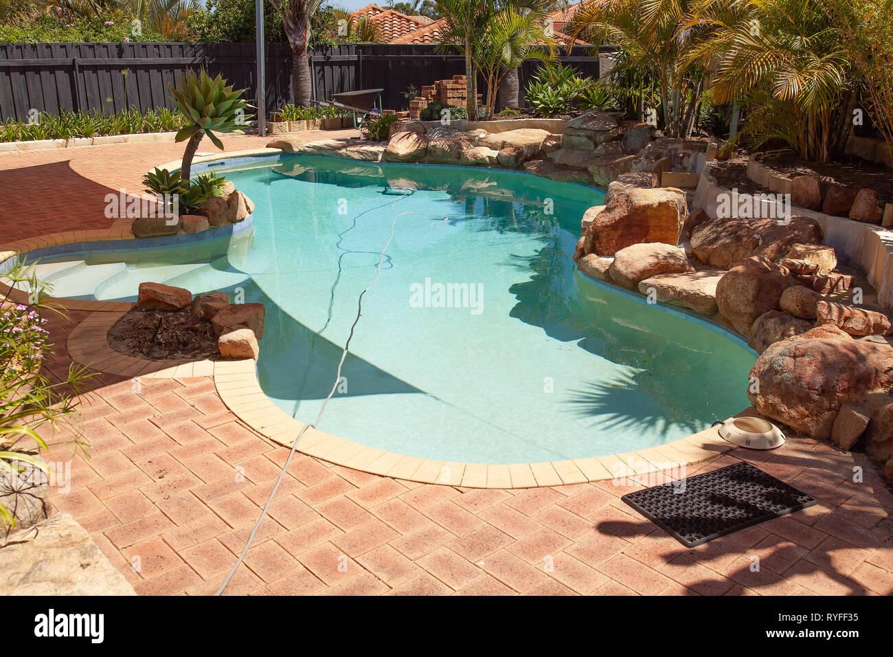 Pool Rock Garden im Bau Stockfoto, Bild: 240671625 - Alamy