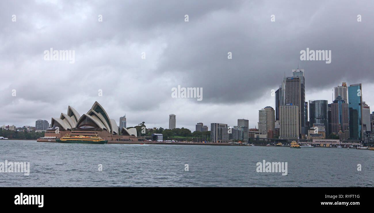 Besuchen sie Australien. Die Oper von Sydney ist ein multi-Veranstaltungsort Zentrum für darstellende Kunst, Sydney, New South Wales, Australien Stockfoto