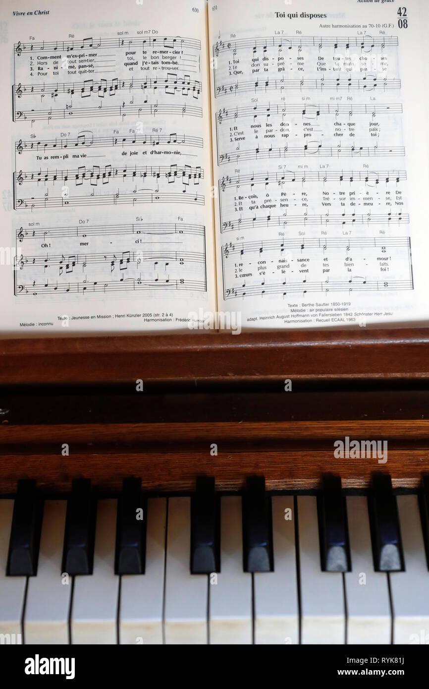 Evangelische Kirche. Orgel. Frankreich. Stockbild