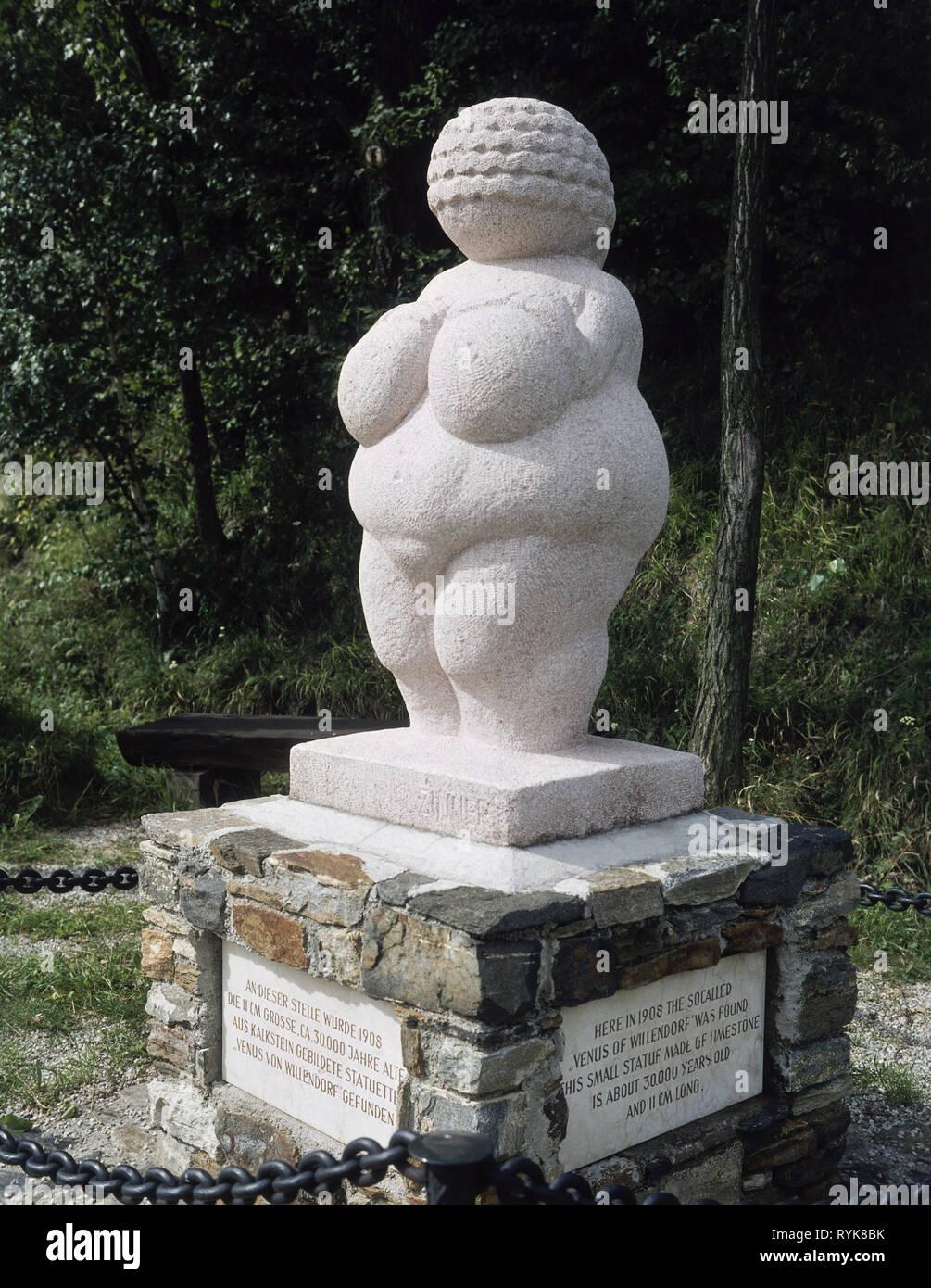 """Vorgeschichte, prähistorischen Zeiten, Schöne Künste, """"Venus von Willendorf"""" (Nachbau), Willendorf in der Wachau, Additional-Rights - Clearance-Info - Not-Available Stockbild"""