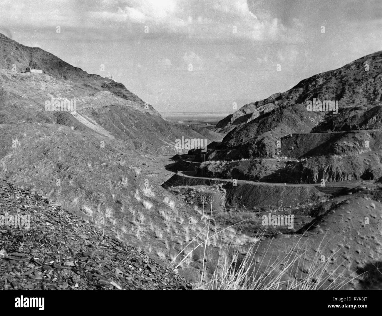 Geographie/Reisen, Pakistan, Verkehr, Straßen, Straße zum Khyber Pass, 1950er Jahre, Additional-Rights - Clearance-Info - Not-Available Stockbild