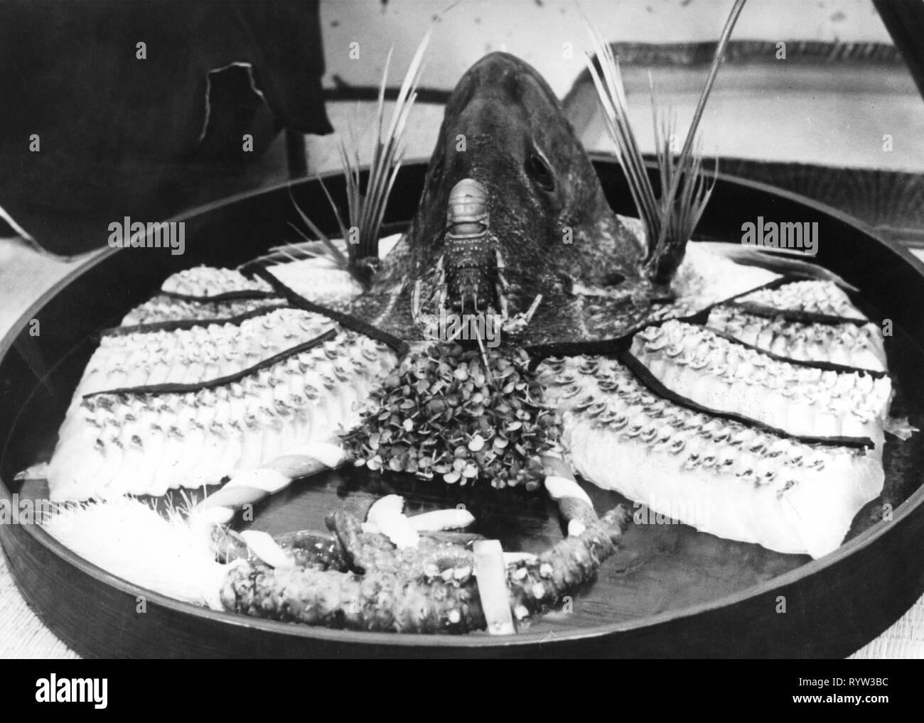 Geographie/Reisen, Japan, Gastronomie, Fisch Platte mit Meeresfrüchten und Hummer, 1960er Jahre, Additional-Rights - Clearance-Info - Not-Available Stockbild