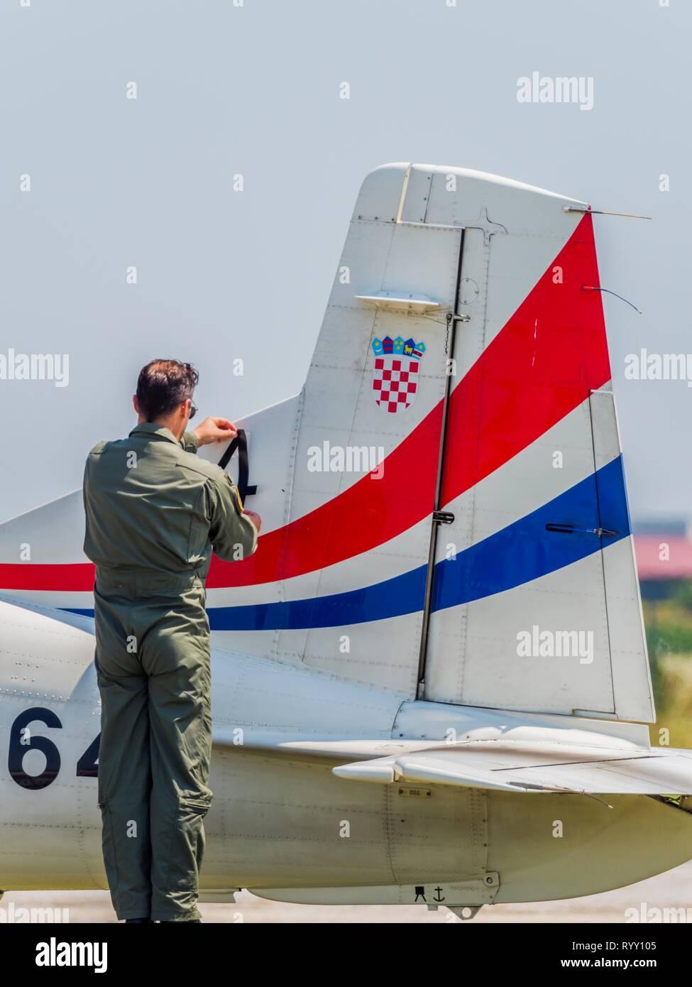 Pilatus PC 9 PC-9 von Krila Oluje Flügel von Sturm Stockfoto