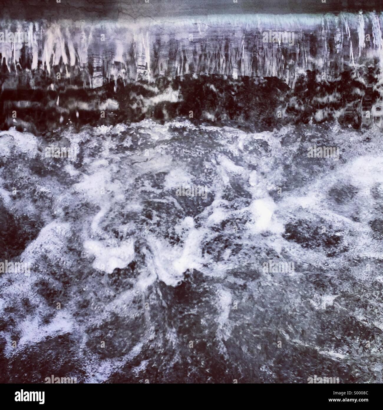 Fließendes Wasser Stockfoto