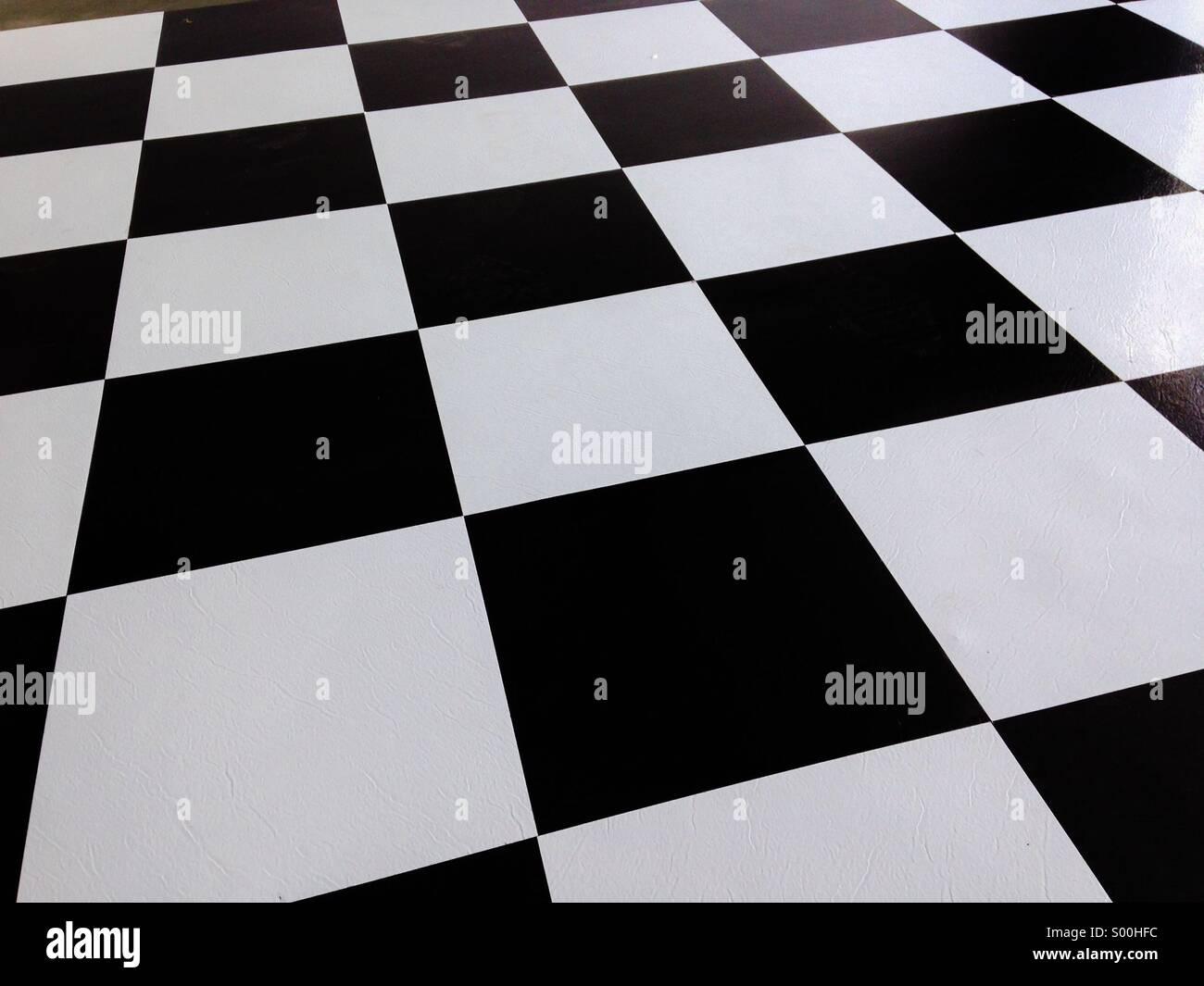 Schwarz / weiß-Bodenbelag Stockbild