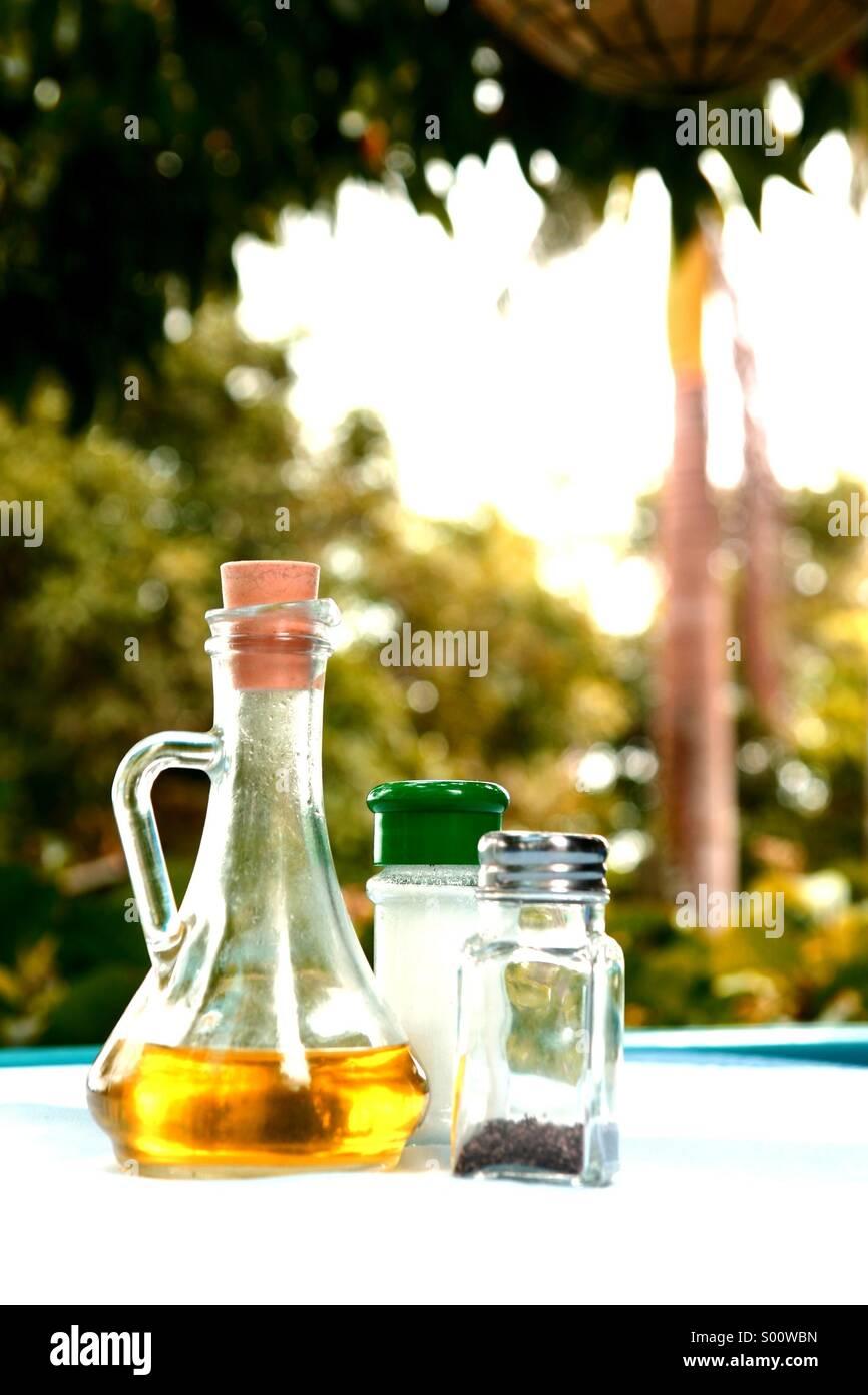 Lebensmittel Gewürze auf einem Tisch Stockfoto