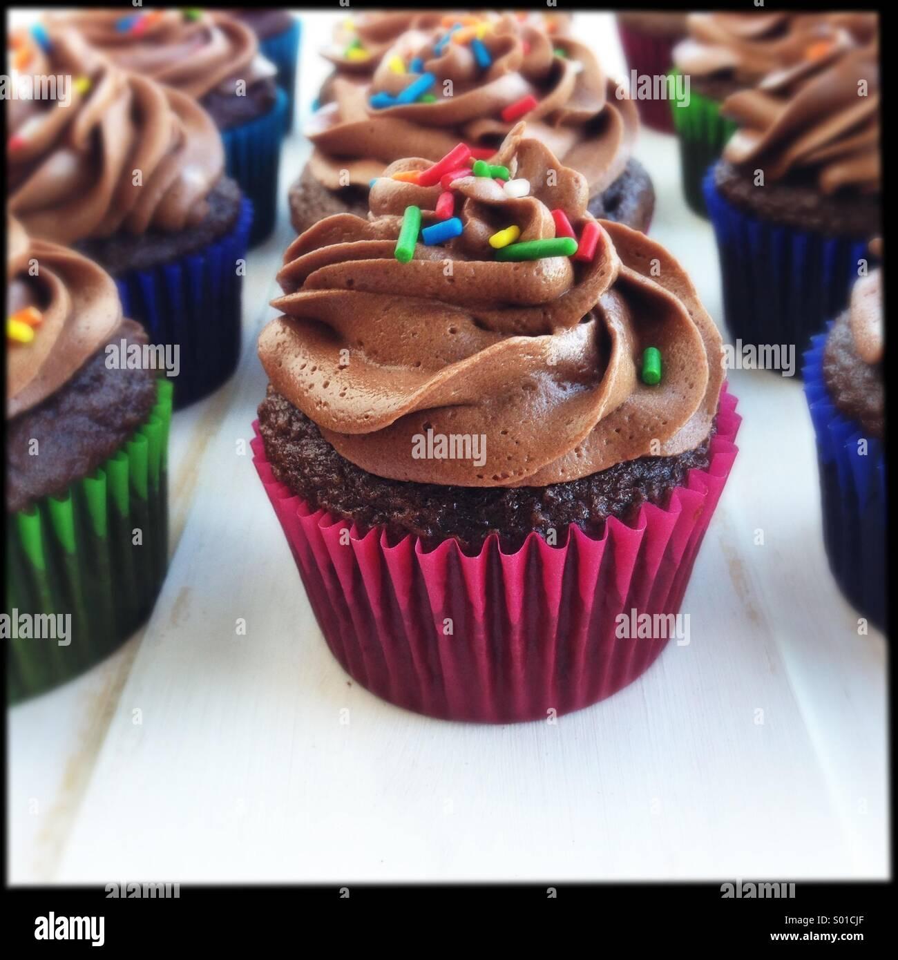 Schokoladentörtchen mit Streusel Stockbild