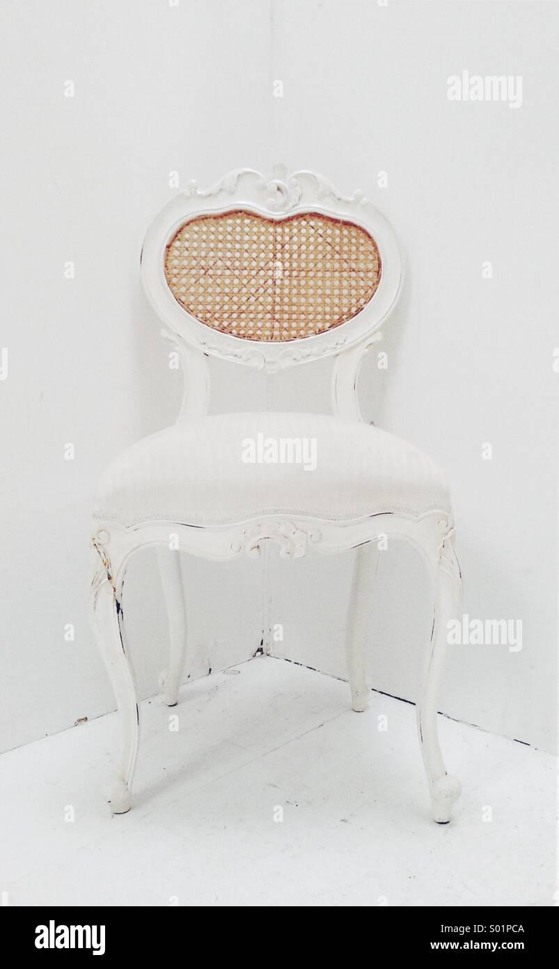Weißer Stuhl Stockfoto Bild 309826170 Alamy