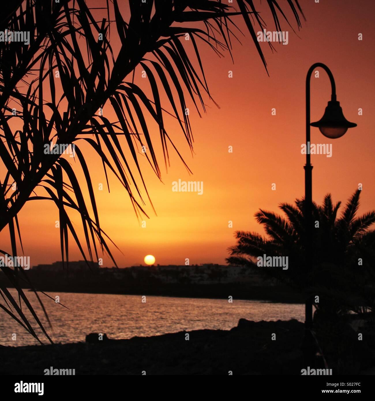 Insel-Sonnenuntergang Stockbild