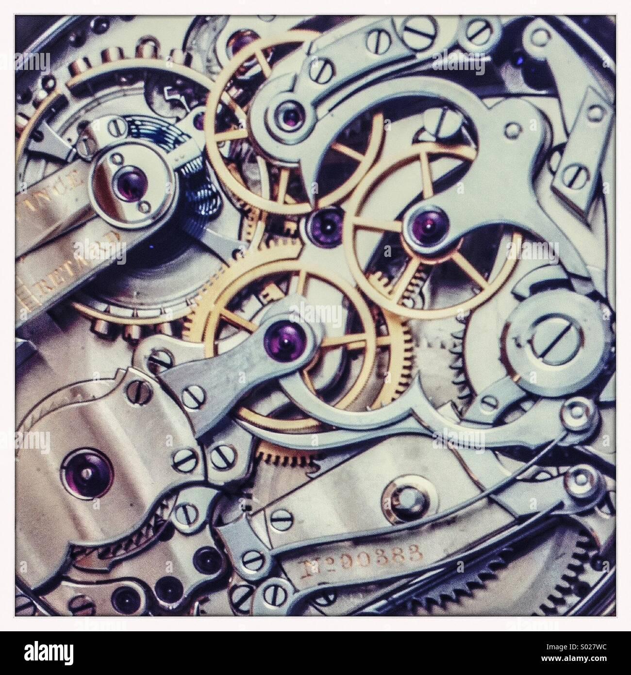 Close-up-Sicht auf das Uhrwerk einer Taschenuhr Stockbild