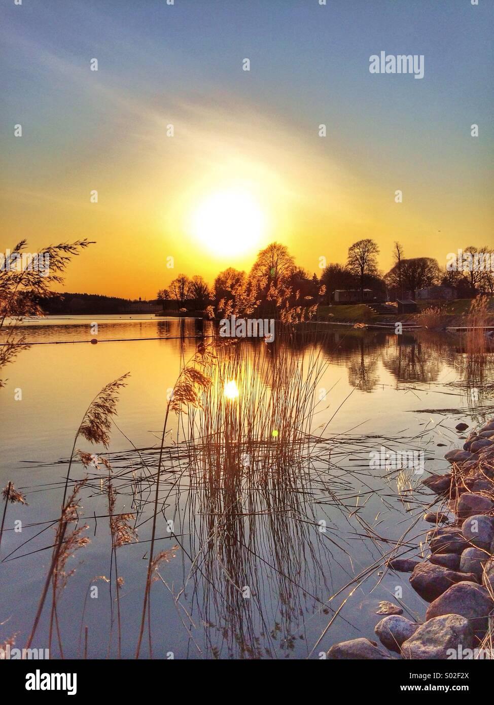 Sonnenuntergang in den Schären stockolm Stockbild